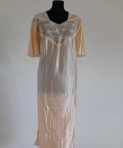 Dámská noční košile Slavěna meruňka-jednobarevná krajka